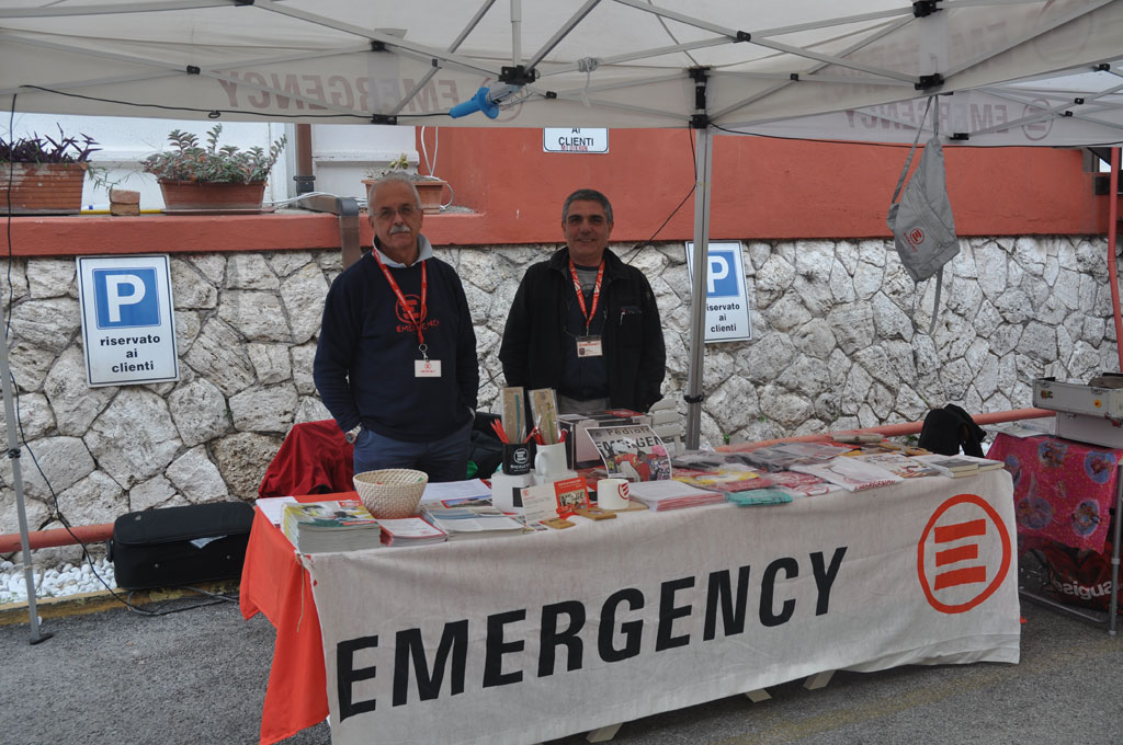 Lo stand Emergency